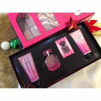 Hình ảnh củaBộ quà tặng nước hoa, dưỡng thể, sữa tắm Victoria's Secret Bombshell 50ml